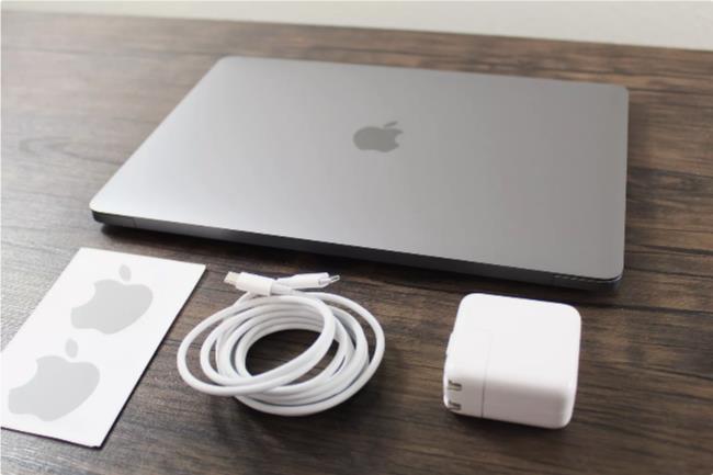 Examen du l'ordinateur portable Apple MacBook Air 13 pouces - Laboconso.com